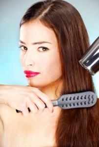 Trockene Haare müssen speziell gepflegt werden